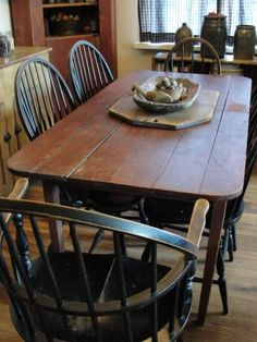 Farmer's table w/scratches & chips in all the right places <3