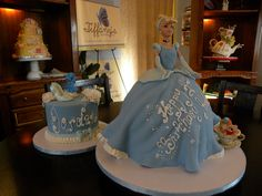 Cinderella barbie cake carve dto look like skirt was swaying. Small 'smash cake' with edible glass slipper and topper. Pretty Cakes, Cute Cakes, Beautiful Cakes, Bolo Barbie, Barbie Cake, Elsa Torte, Cinderella Birthday, Cinderella Cakes, Cinderella Doll