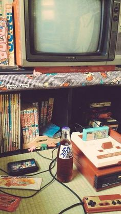 Image about vintage in retro by 80s Aesthetic, Aesthetic Japan, Japanese Aesthetic, Aesthetic Vintage, Retro Photography, Retro Wallpaper, My New Room, Picture Wall, Wall Collage