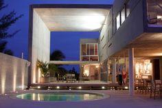 Siriki House by Munoz Arquitectos