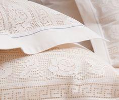 Lenjerie de pat din bumbac 100%, model cu dantelă - LNJ-58 - ArtDecor Lace Shorts, Bed Pillows, Pillow Cases, Blanket, Interior, Modern, Design, Embroidery, Pillows