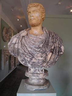 Buste militaire, MSR, Musée Saint-Raymond, Villa romaine de Chiragan, Musée des Antiques de Toulouse | da Following Hadrian