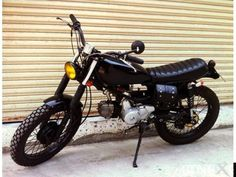 Old Honda Motorcycles, Custom Motorcycles, Honda S90, Cafe Racer Honda, Riders On The Storm, Cafe Racing, Street Tracker, Bike Style, Mini Bike