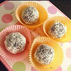 Raw Chocolate Balls- So TASTY and easy to do!!   #yummi #sweetestraw #rawdessert #healthy #sugarfree,