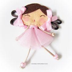COMPLEMENTOS INFANTILES CARAMEL: DIADEMAS, TOCADOS, CORONAS Y COLETEROS: Broche My Doll Bailarina
