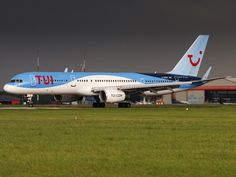 Turning on the end of the runway at Norwich Airport Thomson Airways, Passenger Aircraft, Cargo Airlines, Civil Aviation, Airports, Airplanes, Turning, Runway, Commercial