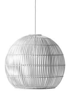 Taklampskärm i bambu med fint ljusgenomsläpp. Pris exklusive upphänge.