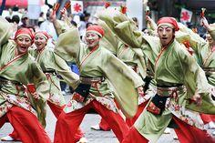 All sizes   Yosakoi Kasiwa Kurenai Jyuku [よさこい柏紅塾 / スーパーよさこい2006]   Flickr - Photo Sharing!