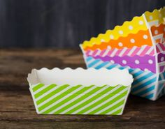 green and white striped rectangle paper disposable loaf pans for baking, packaging, and popcorn picnic trays
