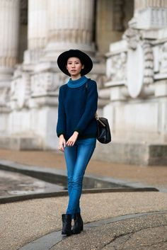 True Blue, The Locals in Paris. Classy And Fabulous, Fashion Outfits, Womens Fashion, Hat Outfits, Street Style Women, Timeless Fashion, Everyday Fashion, What To Wear, Winter Fashion