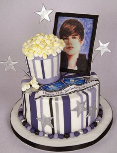 Love this cake, the stripes look cool