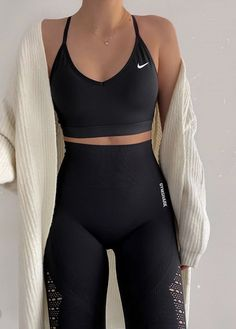 Fashion Inspiration And Trend Outfits For Casual Look – Body – Moda Look Fashion, Teen Fashion, Fashion Outfits, Sporty Fashion, Winter Fashion, Young Fashion, Modest Fashion, Korean Fashion, Fashion Women