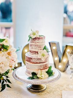 Red velvet naked cake: http://www.stylemepretty.com/2016/07/19/this-southern-wedding-is-a-foodie-lovers-dream/ | Photography: Amy Arrington - http://amyarrington.com/