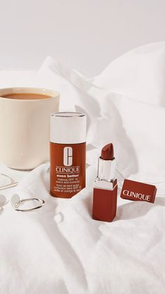 Your most flattering naked 💄 shade Flatter your individual complexion with perfectly matched Clinique Even Better Pop 💄 Colour Photography Tips Iphone, Makeup Photography, Photography Editing, Video Photography, Creative Photography, Advertising Photography, Commercial Photography, Make Up Cosmetics, Perfume
