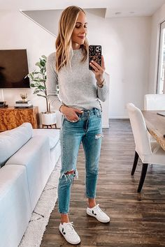 Outfits 2019 Outfits casual Outfits for moms Outfits for school Outfits for teen girls Outfits for work Outfits with hats Outfits women Fashion Mode, Look Fashion, Autumn Fashion, Fashion Belts, Fashion Wear, Fashion Trends, Mode Outfits, Fall Outfits, Sneakers Fashion Outfits