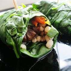 Pin for Later: Roll With It: 21 Healthy Wrap Recipes Spinach Veggie Wraps Easy five-ingredient spinach wraps loaded with veggies and barley are an ideal recipe to help debloat and detox. Veggie Wraps, Healthy Wraps, Lettuce Wraps, Lettuce Ideas, Quick Vegetarian Dinner, Vegetarian Dinners, Going Vegetarian, Vegetarian Breakfast, Veggie Dinners