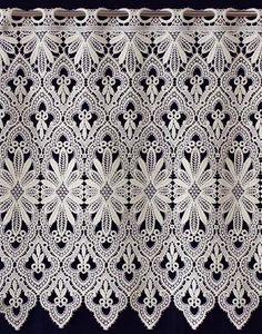 Bottom macrame lace curtain in ecru