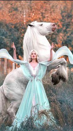 Daenerys Targaryen, Game Of Thrones Characters, Horses, Models, Woman, Horse, Model, Words, Modeling