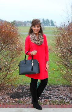 Red Tunic for Day 21 of 25 Days of Winter Fashion - Cyndi Spivey : Easy holiday style with a red tunic and leopard print scarf. Fashion For Women Over 40, Fall Fashion Trends, Fashion Days, Look Fashion, Winter Fashion, Fashion Outfits, Feminine Fashion, Holiday Fashion, Fashion Styles