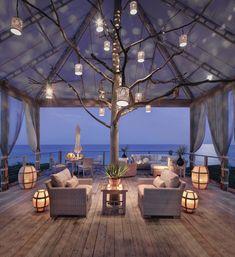20+ Incredible Deck Design Ideas Boasting Breathtaking Views #outdoors #outdoorliving #deck #ocean