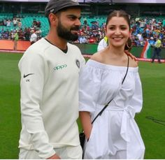 Virat Kohli's Victory Walk With Wife Anushka Sharma Is Precious In Every Sense - HungryBoo Anushka Sharma Virat Kohli, Virat And Anushka, Bollywood Couples, Bollywood Stars, Indian Wedding Theme, Virat Kohli Wallpapers, Party Wear Indian Dresses, Girl Photo Poses, Indian Film Actress