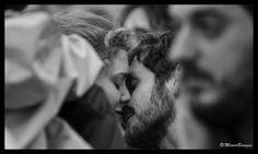 https://flic.kr/p/fdHXkz | Lovers in the crowd | ©MarcoBenigni