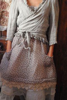 ...petite robe romantique avec dentelles...