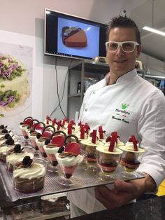 Excellence comes from the precision and creativity of a professional like Massimo Carnio. We thank Polmarkus for having invited us to its Open Day. New Martellato #pralines https://goo.gl/vQQJ72