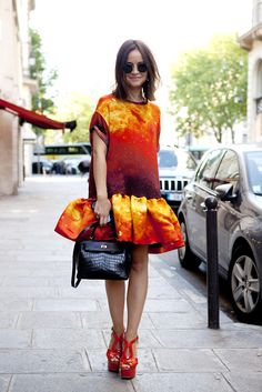 Miroslava duma, Paris couture, in an explosion of Christopher Kane, Hermes and Prada. Can we just discuss the power of these incredible vintage raybans that makes her look MORE: gorgeous love. Miroslava Duma, Looks Style, Looks Cool, Look Fashion, High Fashion, Fashion Models, Fashion Editor, French Street Fashion, Mode Inspiration