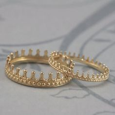 Solid 14K Yellow Gold Crown Band Set--Check Mate--Gold Crown Ring--Queen or King Wedding Band Set--His and Hers Bands--Wedding Rings on Etsy, $400.00