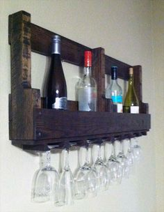 Pallet Bottle Rack with Glass | Pallet Furniture Plans