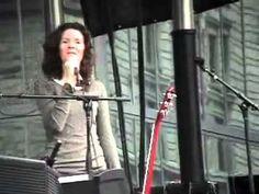 Edie Brickell & New Bohemians- Nothing (fixed audio)