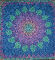 """Zen Dahlia by Pat Ferguson, from her """"Zen Quilting Workbook"""" (2012).  Posted at Narragansett Bay Quilter's  Association"""