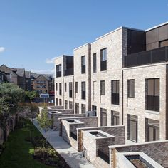 Urban Architecture, Concept Architecture, Residential Architecture, Architecture Details, Building Exterior, Brick Building, Building A House, Facade Design, Exterior Design