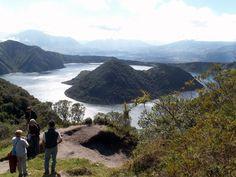 Equateur: Lac et volcan du Cuicocha / Ecuador: Volcano and Lake Cuicocha / Ecuador: Volcán y la Laguna de Cuicocha