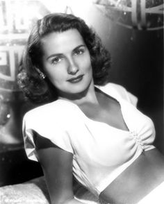 """Orig ca 1942 Warner Movie Photo Brenda Marshall """"Captains of the Clouds"""" Old Hollywood Glamour, Golden Age Of Hollywood, Vintage Hollywood, Classic Hollywood, Classic Actresses, Hollywood Actresses, Beautiful Actresses, Brenda Marshall, Barbara Stanwyck"""