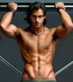Finally a Gideon Cross I can work with !!