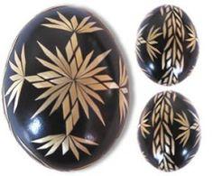 Kraslice 3 (pysanki). (Czech Republic) - Dyed eggs decorated by barley straw.