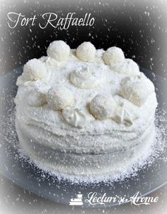 tort raffaello lecturi si arome Something Sweet, Mini Cakes, Diy And Crafts, Sweets, Cheese, Cream, Desserts, Drinks, Egg As Food