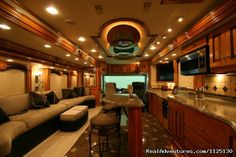 Love the space/design of this RV interior... might need 2 of these ~