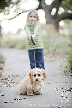 We love #photos of children with their pets! Here are some great #photography #tips for capturing your lifestyle photos at their best!
