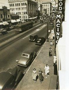 John Swope - Hollywood Boulevard ( 1950s).  © Craig Krull Gallery