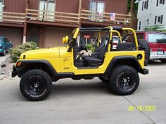 freak in a jeep :) beep beep. In loveee! Two Door Jeep Wrangler, Yellow Jeep Wrangler, 2005 Jeep Wrangler, Jeep Cj, Jeep Truck, Jeep Tops, Yellow Car, Jeep Life, Dream Cars
