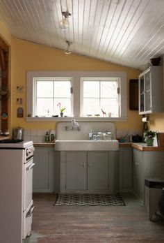DIY Remodeled Kitchen in a Vintage 1900's Country Farmhouse !