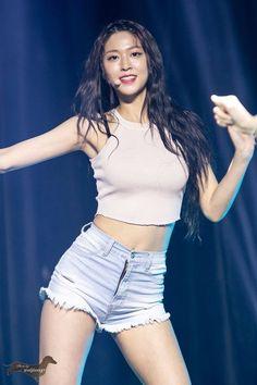 dedicated to female kpop idols. Korean Women, Korean Girl, Korean Beauty, Asian Beauty, Stage Outfits, Cool Outfits, Kim Seolhyun, Moda Kpop, Cute Asian Girls