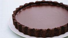 Nigella Lawson's decadent salted chocolate tart will be a party hit Tart Recipes, Dessert Recipes, Salted Chocolate, Making Chocolate, Chocolate Tarts, Chocolate Cookies, Chocolate Filling, Oreo Cookies, Simply Nigella