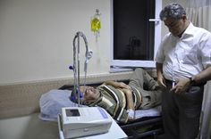 Şehidin Dedesi Ve Babaannesi Hastaneye Kaldırıldı http://www.egemedyasi.com/sehidin-dedesi-ve-babaannesi-hastaneye-kaldirildi-707774h.html
