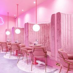 A pink aesthetic with pink chairs and velvet. Would love this all pink workspace. Cafe Design, Store Design, Pink Cafe, Tout Rose, Decoration Chic, Restaurant Interior Design, Diy Décoration, Everything Pink, Pink Walls
