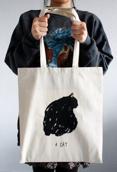A Cat Tote Bag. Hellohowdyhiya on Etsy.