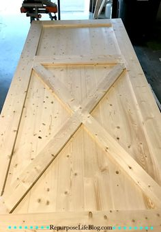 A simple step-by-step how to make a sliding barn door. An easy and thorough step-by-step tutorial on how to make a sliding barn door. Barn doors make a statement in any room and become the decor. Making Barn Doors, Building A Barn Door, Sliding Barn Door Hardware, Sliding Doors, Building Ideas, Building Homes, House Building, Door Hinges, Barn Door Designs